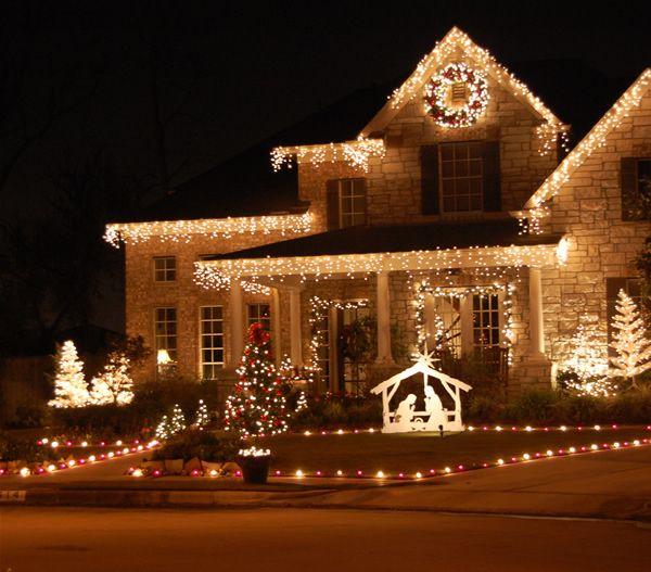 Pin By Mynativity Com On Someday Christmas Lights Outside Outdoor Christmas Lights Christmas House Lights