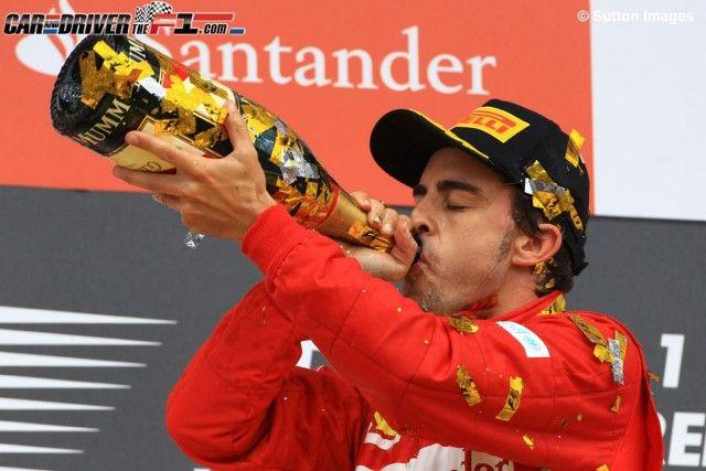 """El tercer título """"no va a ser fácil"""" para Fernando Alonso, según Bruno Senna  El brasileño asegura que la carrera de desarrollo entre las escuderías determinará el desenlace del Mundial"""