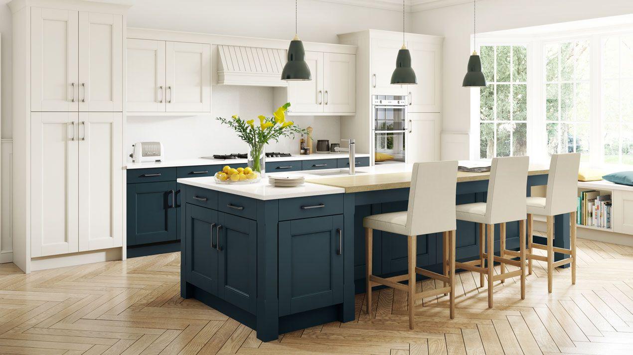 Blue Kitchens Navy Island Trend 2018 Kitchen Blues Newtrend Interiordesign Traditional Kitchen Design English Rose Kitchen Kitchen Design