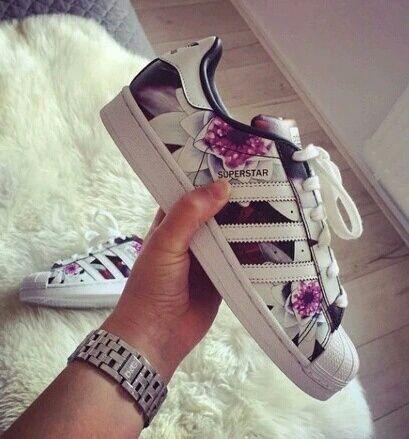 Imagem de adidas, shoes, and superstar | adidas | Pinterest | Chaussure, Chaussure swag et Adidas.