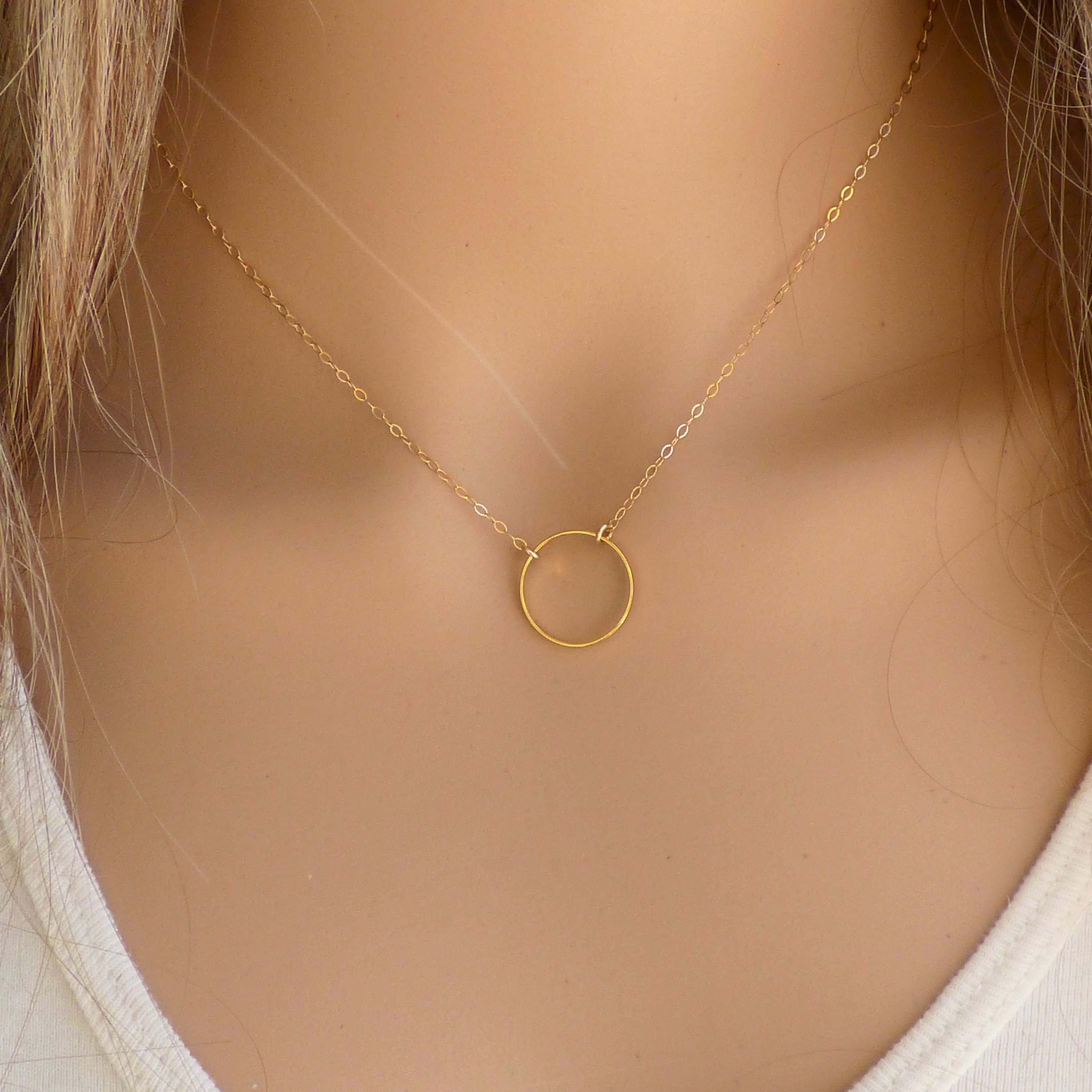 Dainty Gold Circe Pendant Necklace