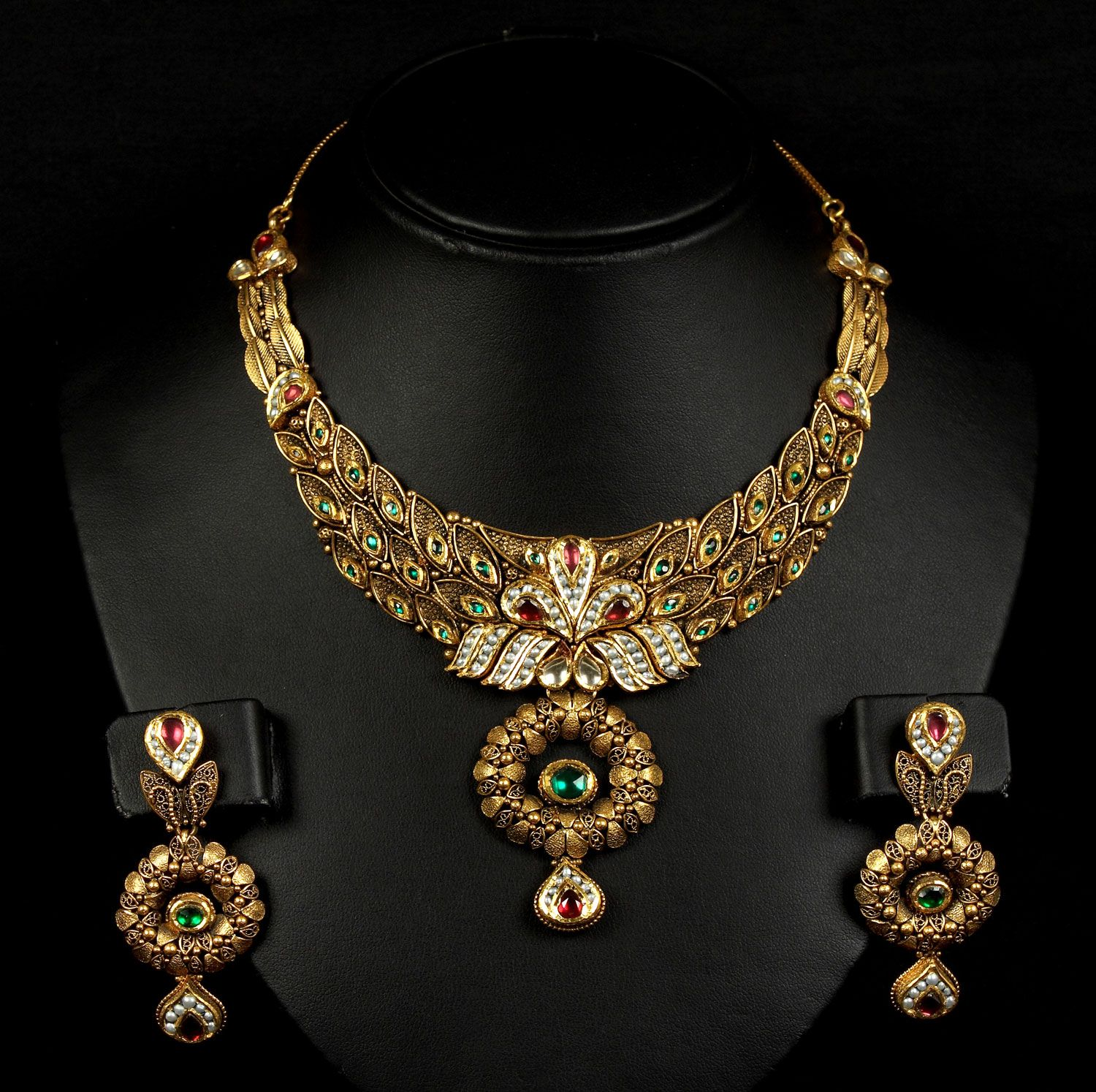 Gold Designer Necklace Wallpapers & Pictures: Find Best
