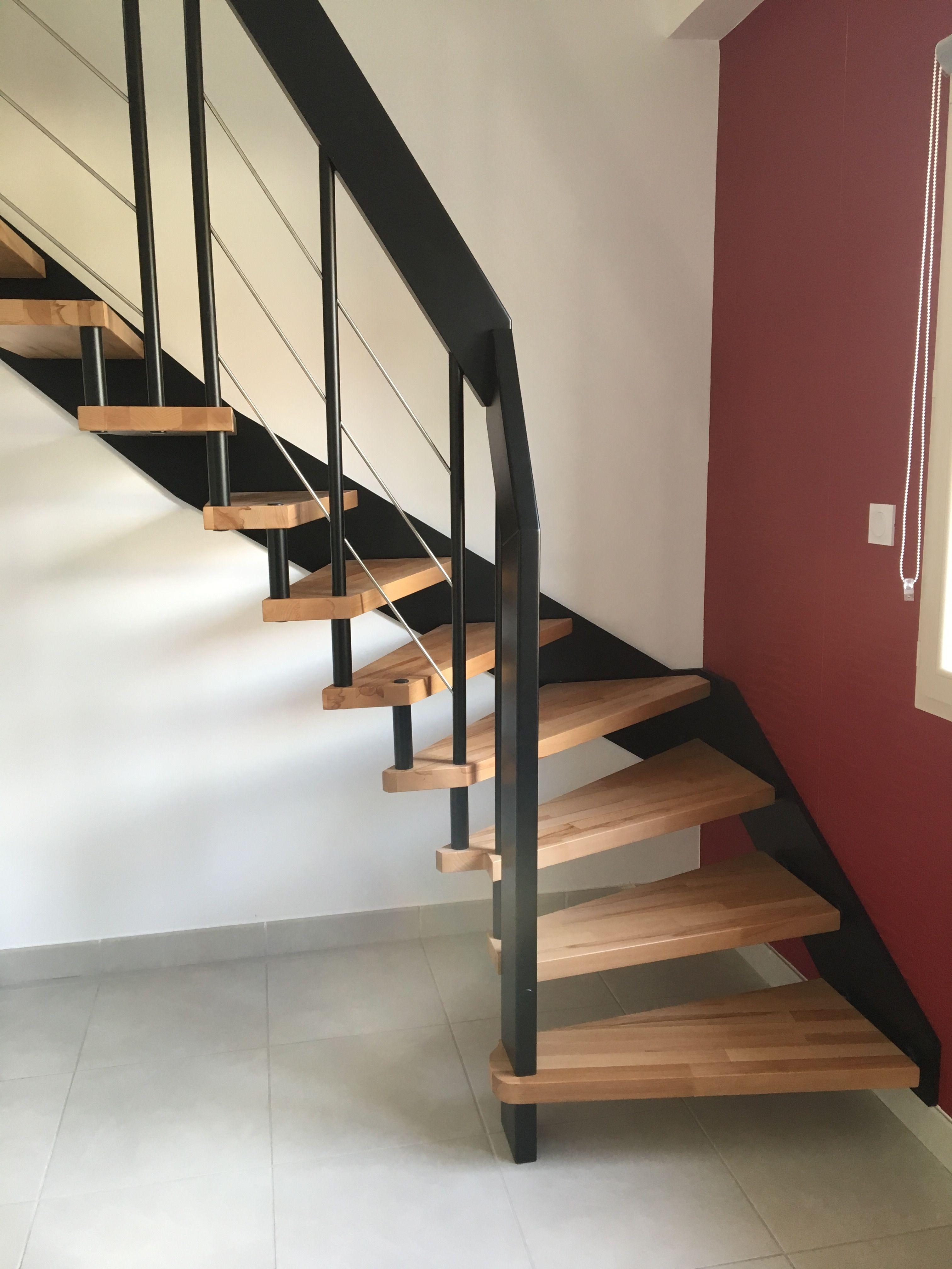 Escalier Prisma Perce Hetre Et Noir Avec Images Escalier