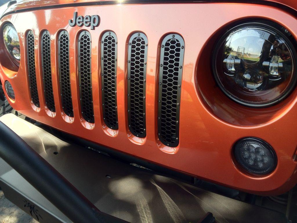 Wtb or wtt sunburst orange grille jkowners com jeep wrangler jk forum