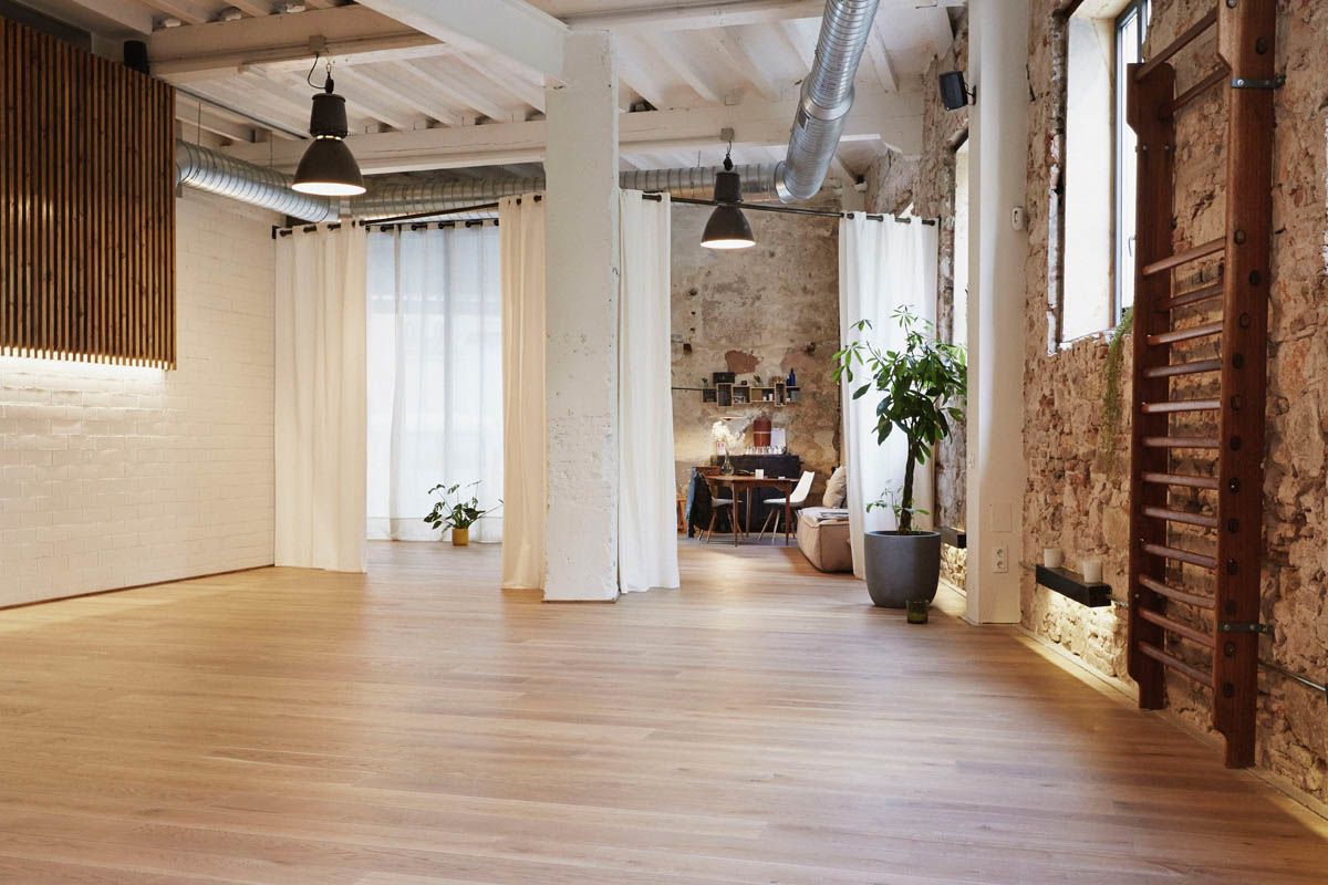 The Garage By Veronica Blume Pilates Yoga Center In 2019 Yoga