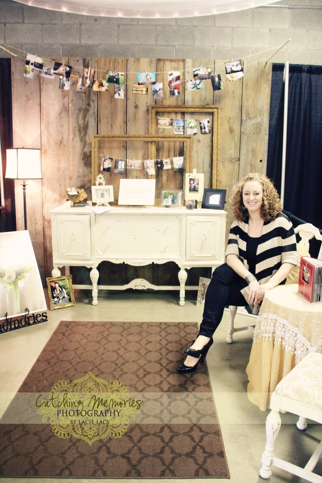 Bridal Show Booth Concept Like The Frames With Wires Love The Vintage Rustic Feel To It Wedding Show Booth Bridal Fair Bridal Show Booths