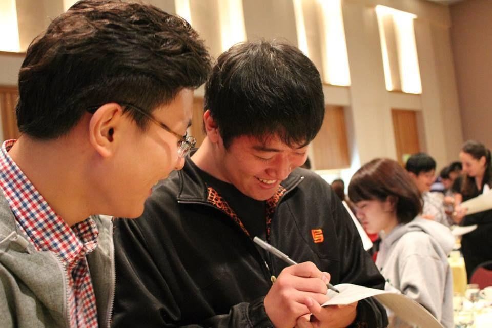 University of Oregon American English Institute - Int'l students enjoying the New Student Orientation Luncheon. studyusa.com