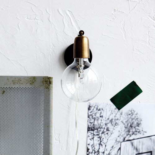 applique murale en laiton et m tal noir molecular house doctor lighting changes everything. Black Bedroom Furniture Sets. Home Design Ideas
