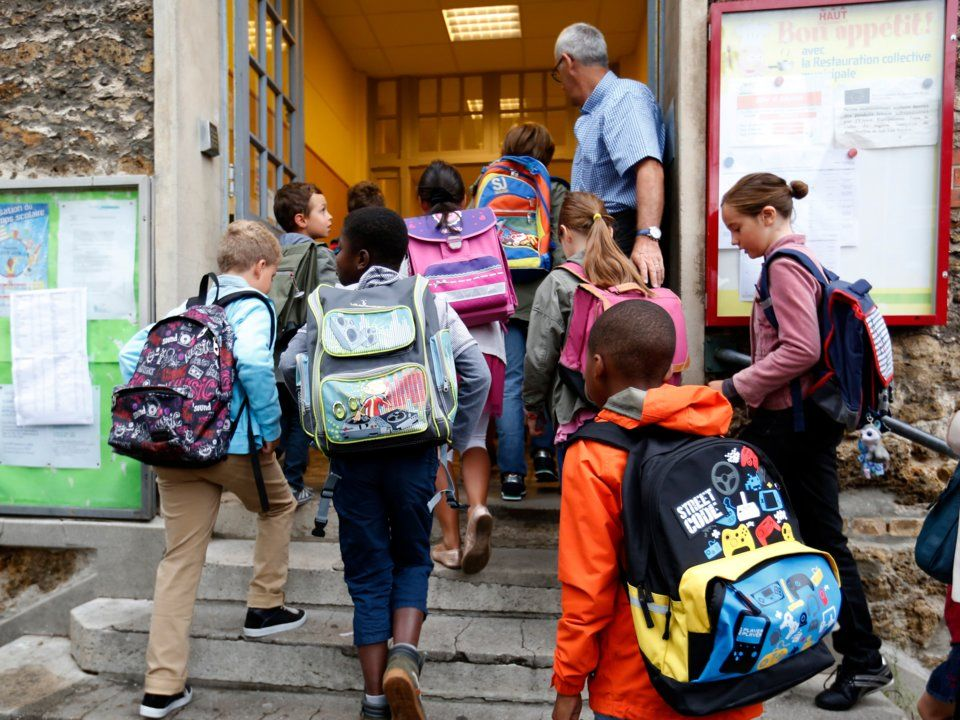 What The First Day Of School Looks Like In 12 Countries Around The World Schools Around The World First Day Of School School