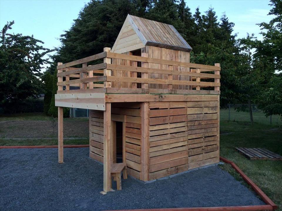 Diy Pallet Playhouse For Kids Fun Pallet Diy Pallet Playhouse