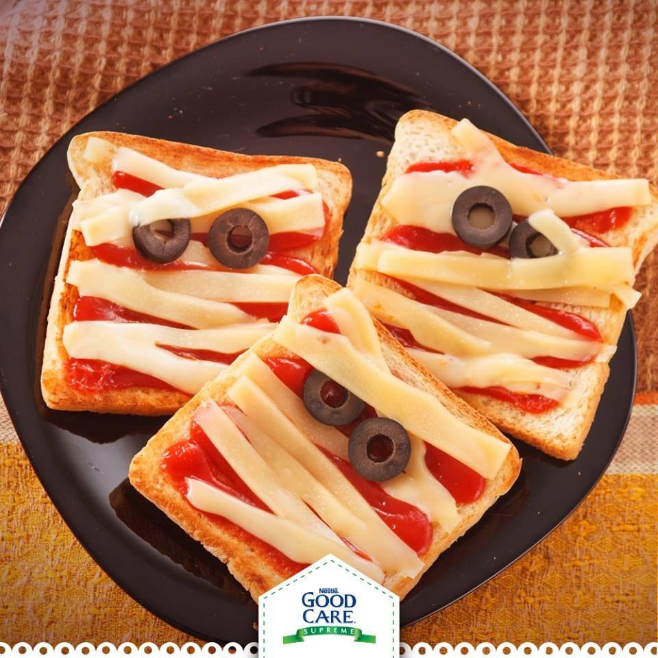 Pan tostado de momias! Salsa de tomate y queso. Sorpréndelo este día ...