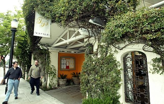 Twin Palms Restaurant Once Backed By Kevin Costner And Really Was His Wife S Closed After Their Divorce Pasadena Location At Pasadena Green Street Travel Usa