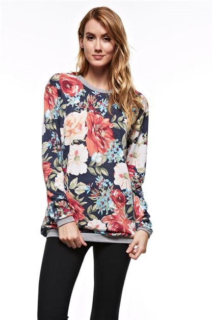 Amazing floral print sweater comes in rusk or navy! Don't miss out on this comfortable statement piece! Sizes SML, made in the US.