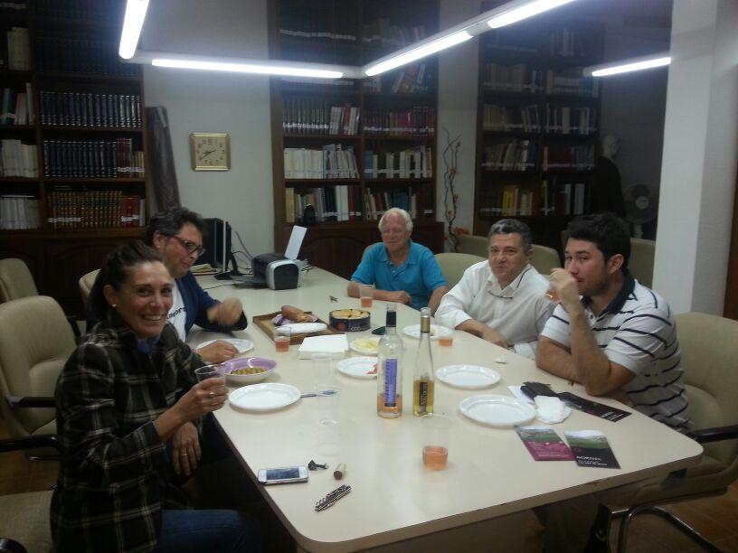 """Visita a un acte de """"El Mallorquín"""" dels companys de Venta Fun y Cristina Basañez de Vins de Mortitx"""