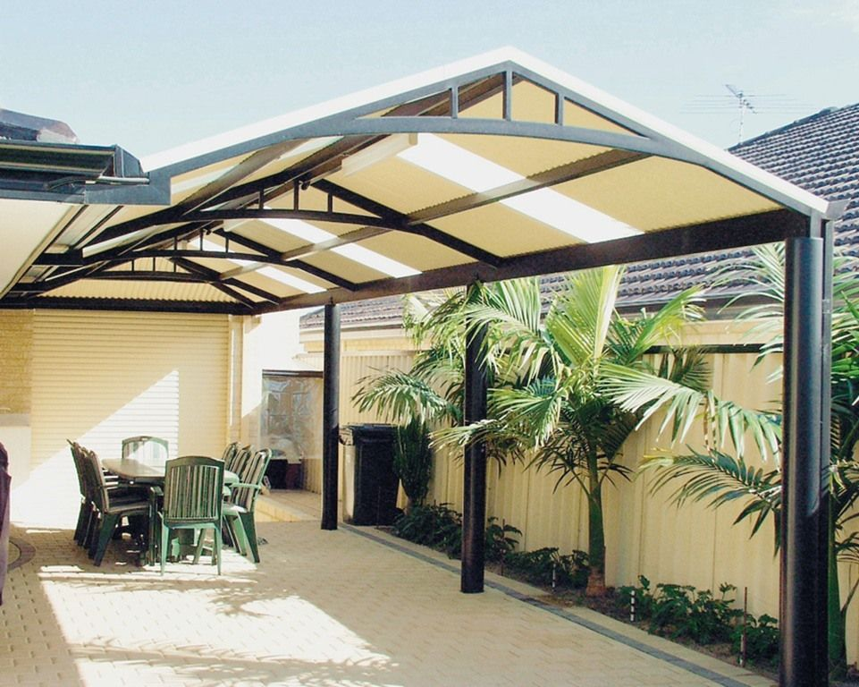 12 amazing aluminum patio covers ideas and designs for Patio cover ideas designs