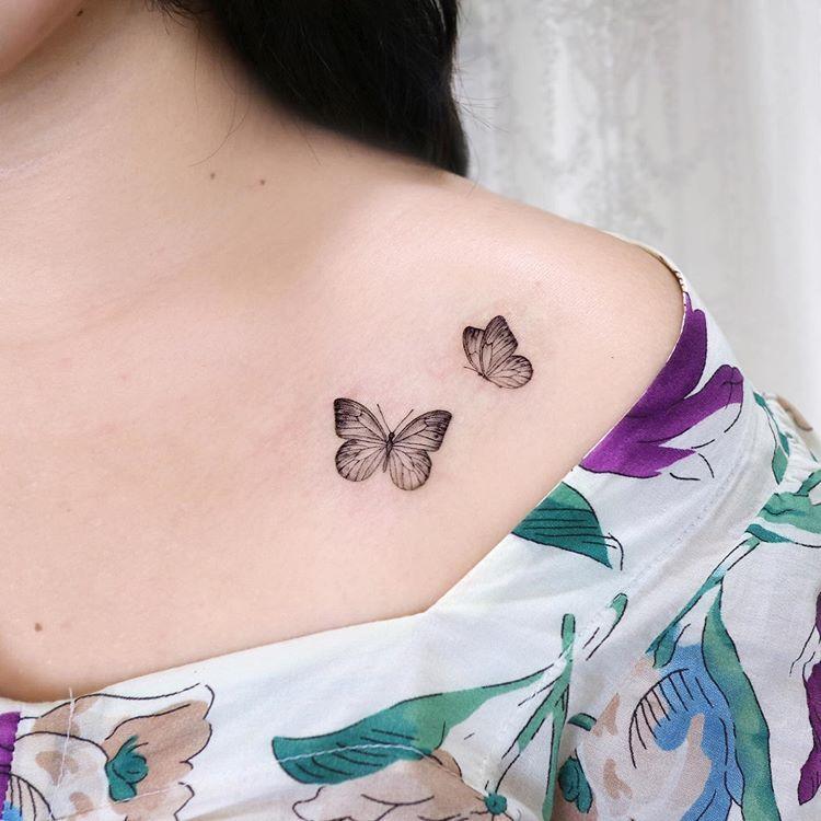 "Photo of 팔레트 on Instagram: ""ʙᴜᴛᴛᴇʀғʟɪᴇs ❤︎ ㅤ #타투 #타투도안 #나비타투 #쇄골타투 #어깨타투 #라인타투 #미니타투 #컬러타투 #tattoo #tattooed #koreatattoo #koreantattoo #butterflytattoo #colortattoo…"""