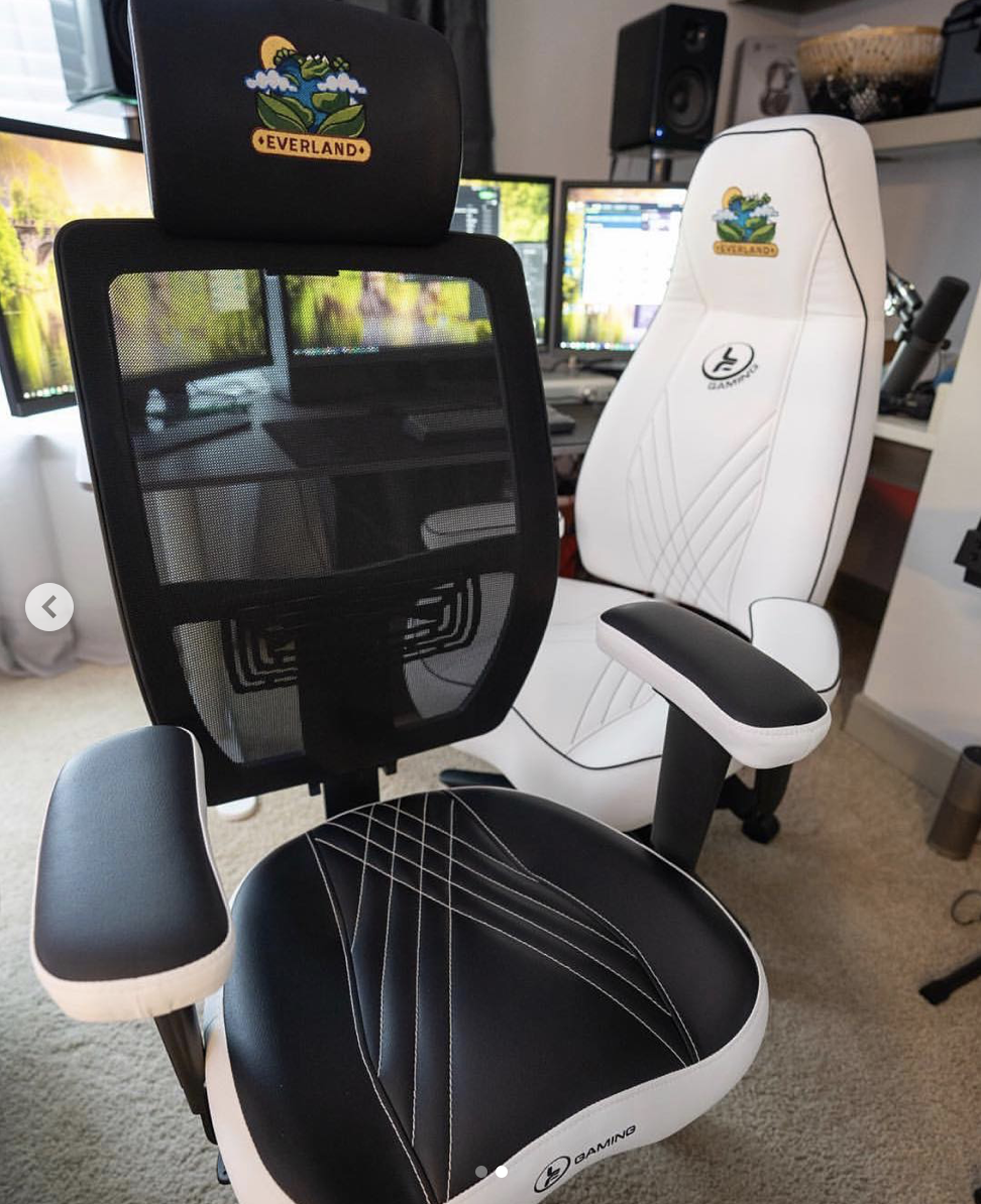 Byron Bernstein Custom Mach 2 And Stealth Lf Gaming Chairs