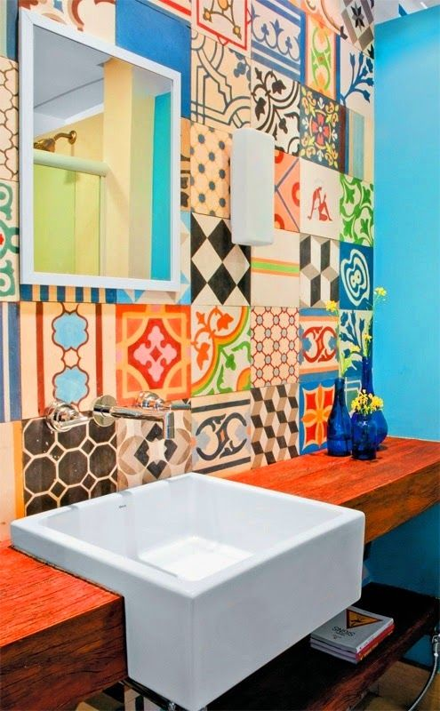 To da loos: Mix matched patchwork pattern tile bathrooms | Pattern ...