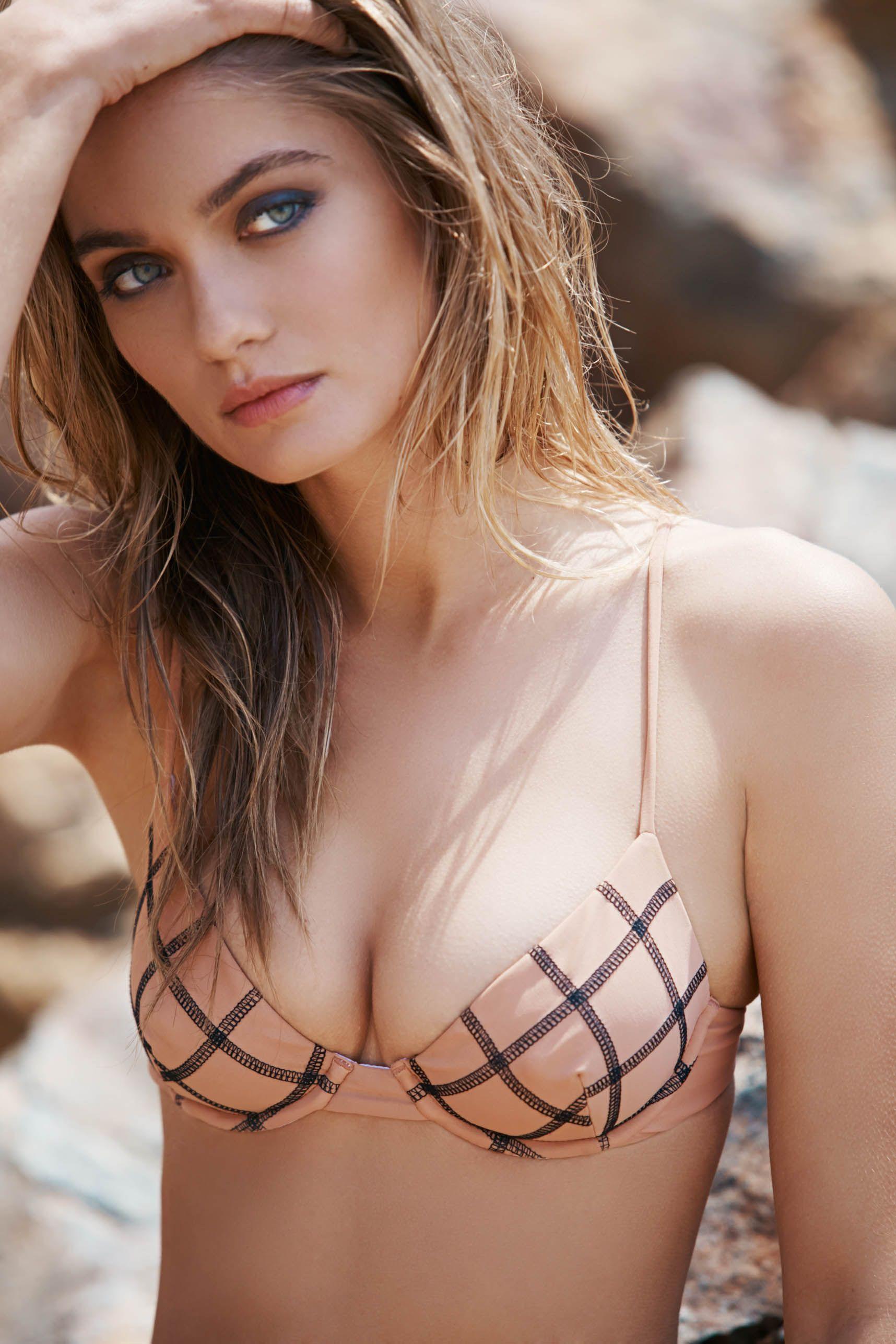 Bikini Butt Natalie Morris  nudes (26 pictures), YouTube, braless