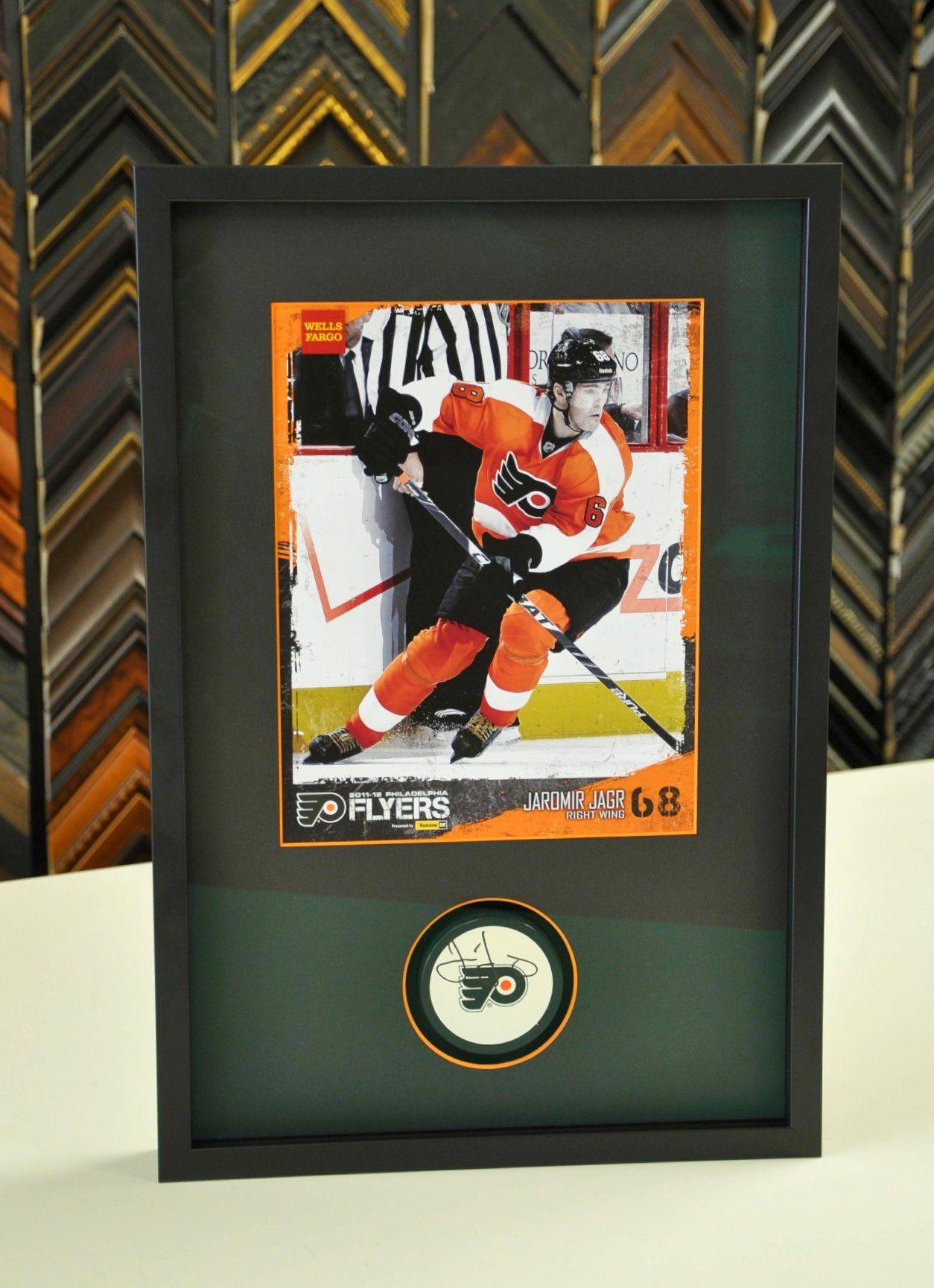 Custom framed Jaromir Jagr photo with signed hockey puck. | Custom ...