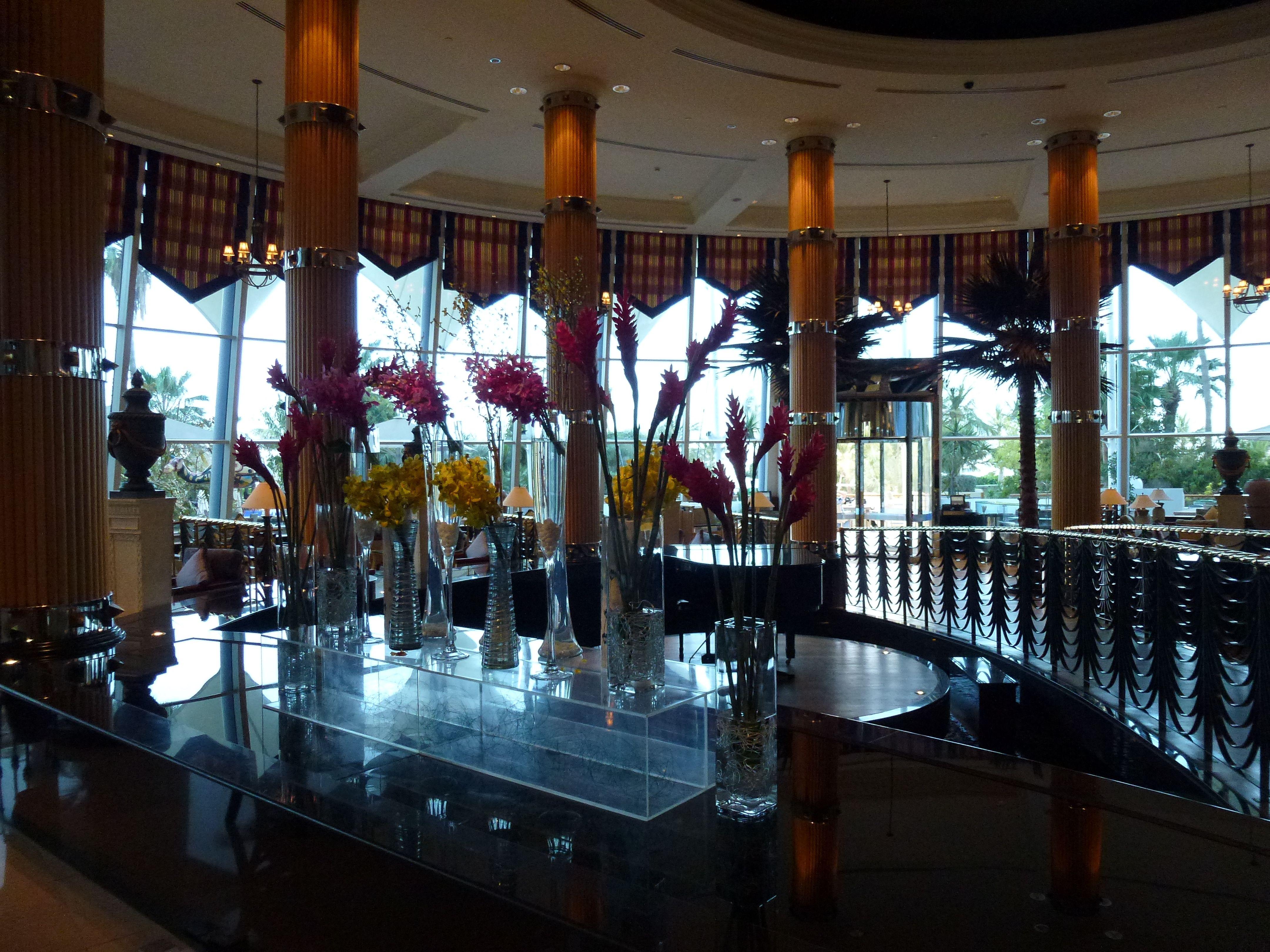 Jumeriah Beach Hotel Lobby Beach hotel lobby, Hotel