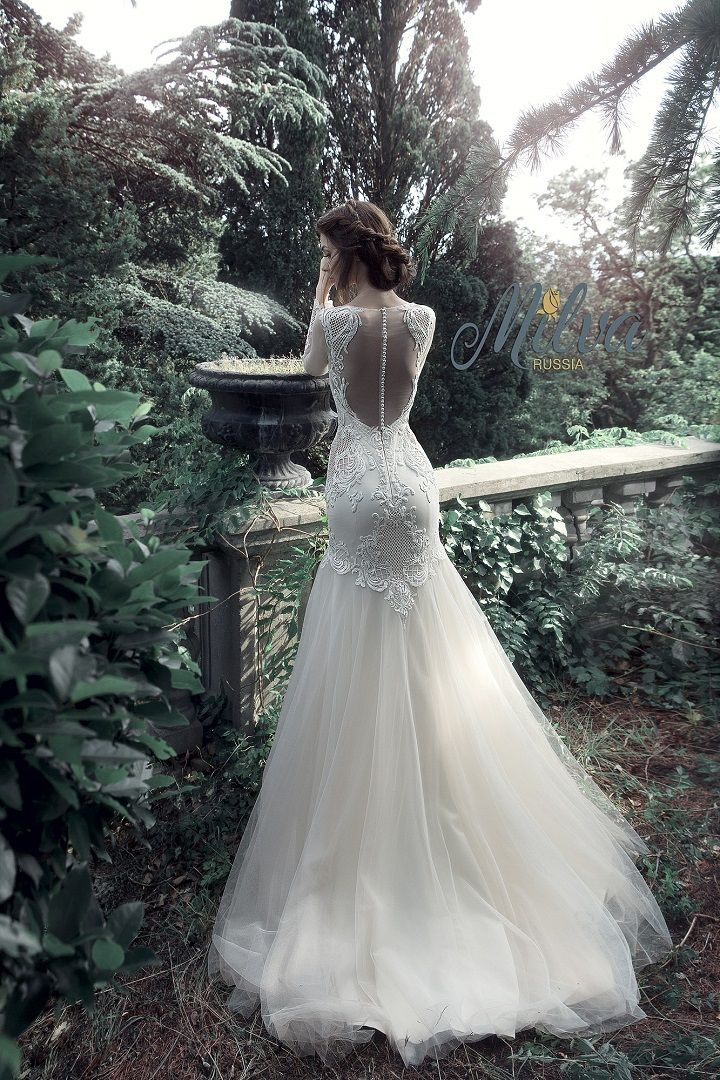 Beautiful wedding gowns would look glamorous on all sorts for A pretty wedding dress