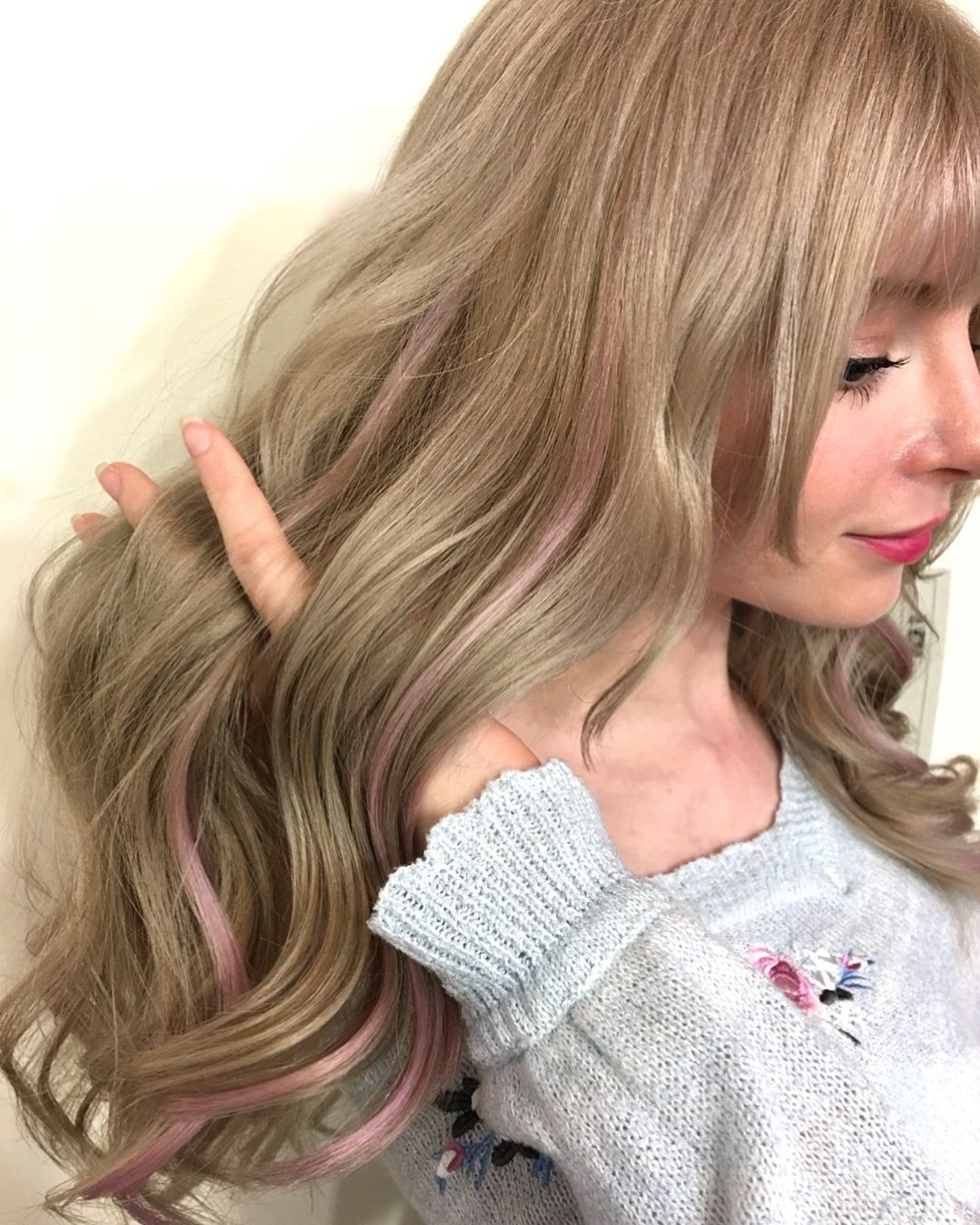 Light Beige Blonde With Pale Pink Tint Highlight For Sweetheart Youtuber Peachmilky Specially Design By Japane Japanese Hair Color Brown Hair Japan Beige Hair