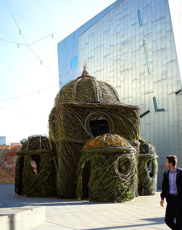 Stickwork (Patrick Dougherty) in Federation Square