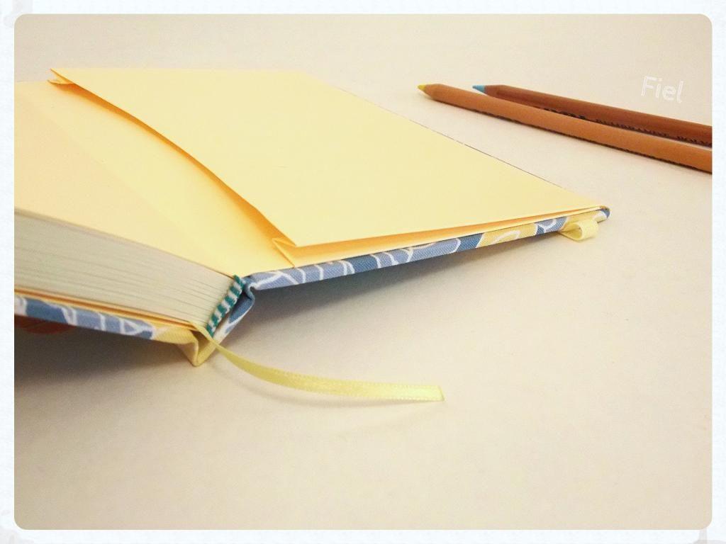 Flores amarillas | Cuadernos Fiel