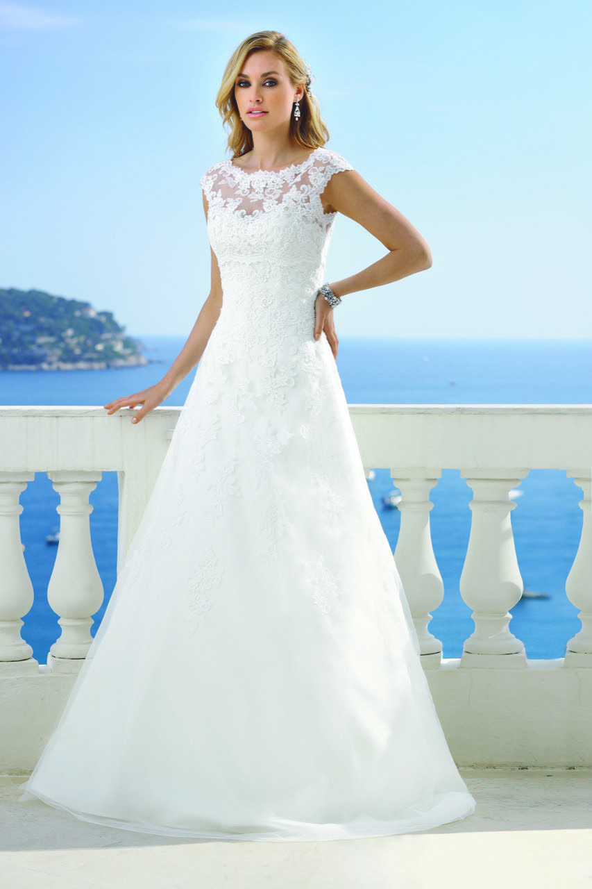 Bridal Range Bridal Shop Glasgow Bridesmaids Accessories Aimee Bridal Bridal Dresses Modest Wedding Dresses Bridal Gowns