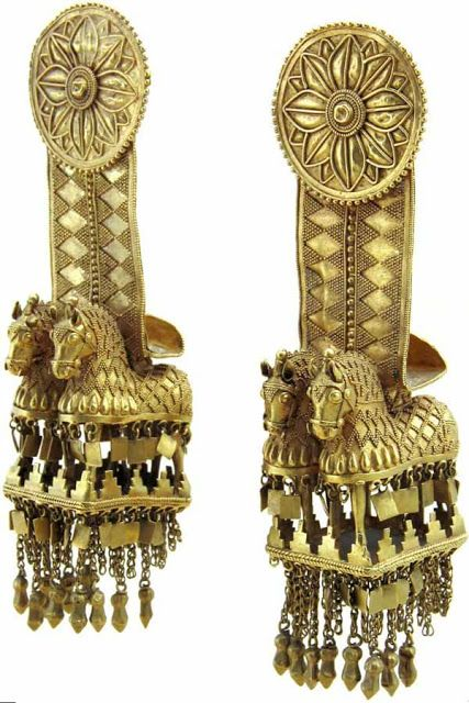 Objects found show the influence of Hellenistic art, since it multiplies the spread of the Greek colonies on the coast of Colchis in the Black Sea in all the ancient writings on the Argonauts speaks of the wealth of the region due to the presence of gold.
