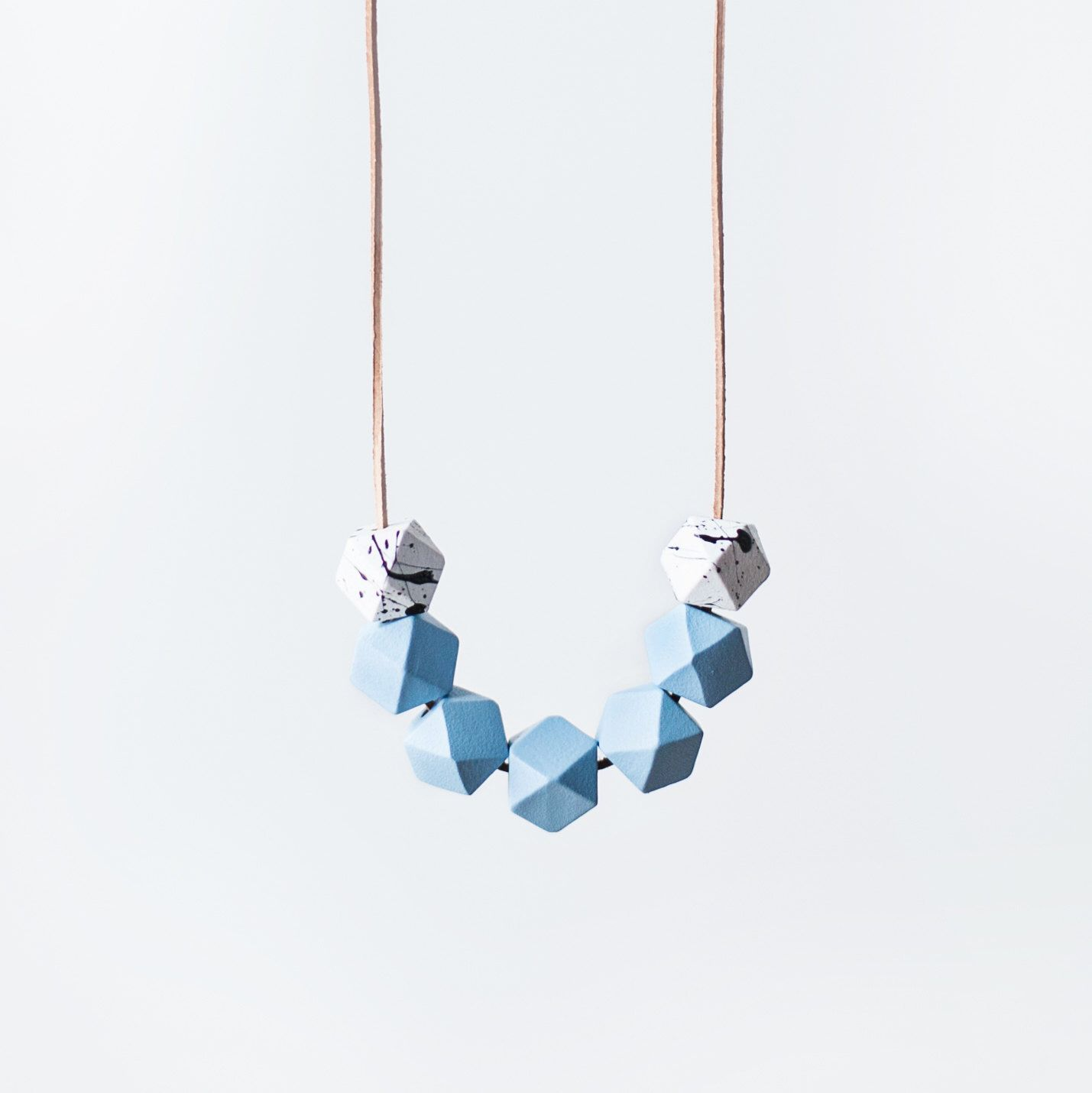 en light necklace silicon product blue grad graded