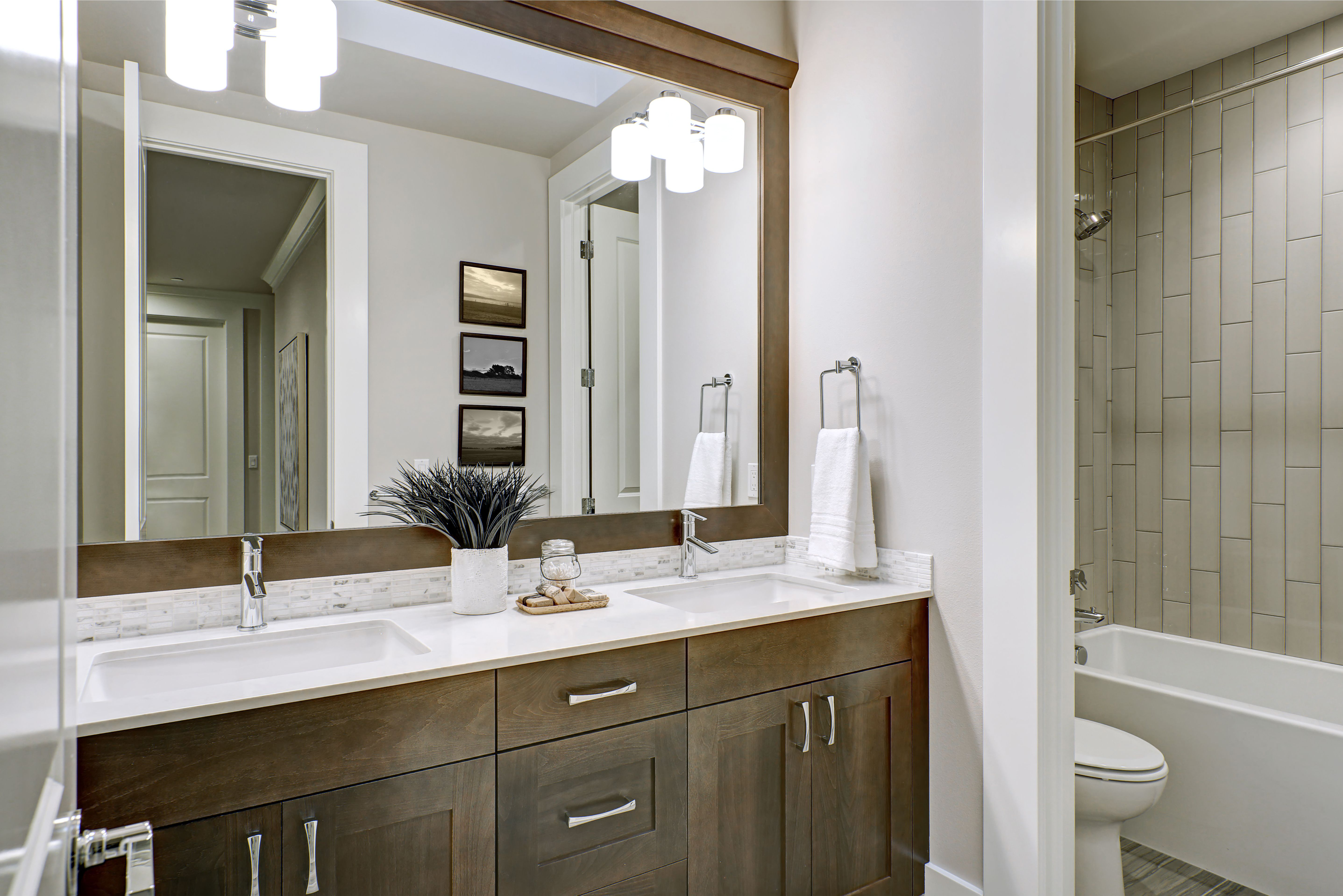 what is a jack and jill bathroom  hunker  remodel