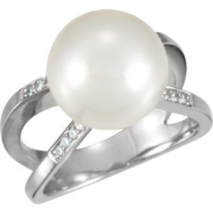 63069 / 18kt Palladium White / .08 CT TW/12.00 MM FINE ROUND / Polished / PASPALEY SSC PEARL RING W/DI
