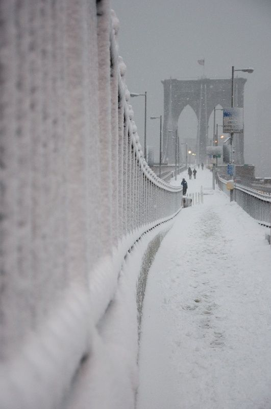 Snow in Brooklyn Bridge, NYC