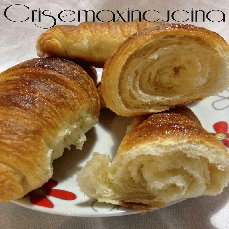 Croissant sfogliati, ricetta passo a passo | Cris e Max in cucina