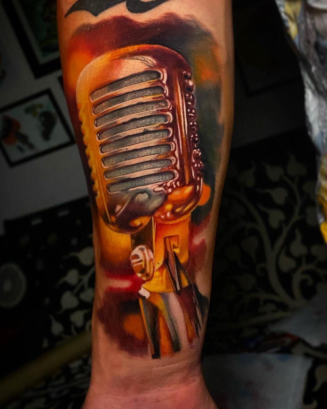 Microphone Artist Pablo Frias Tattoo Country Ar