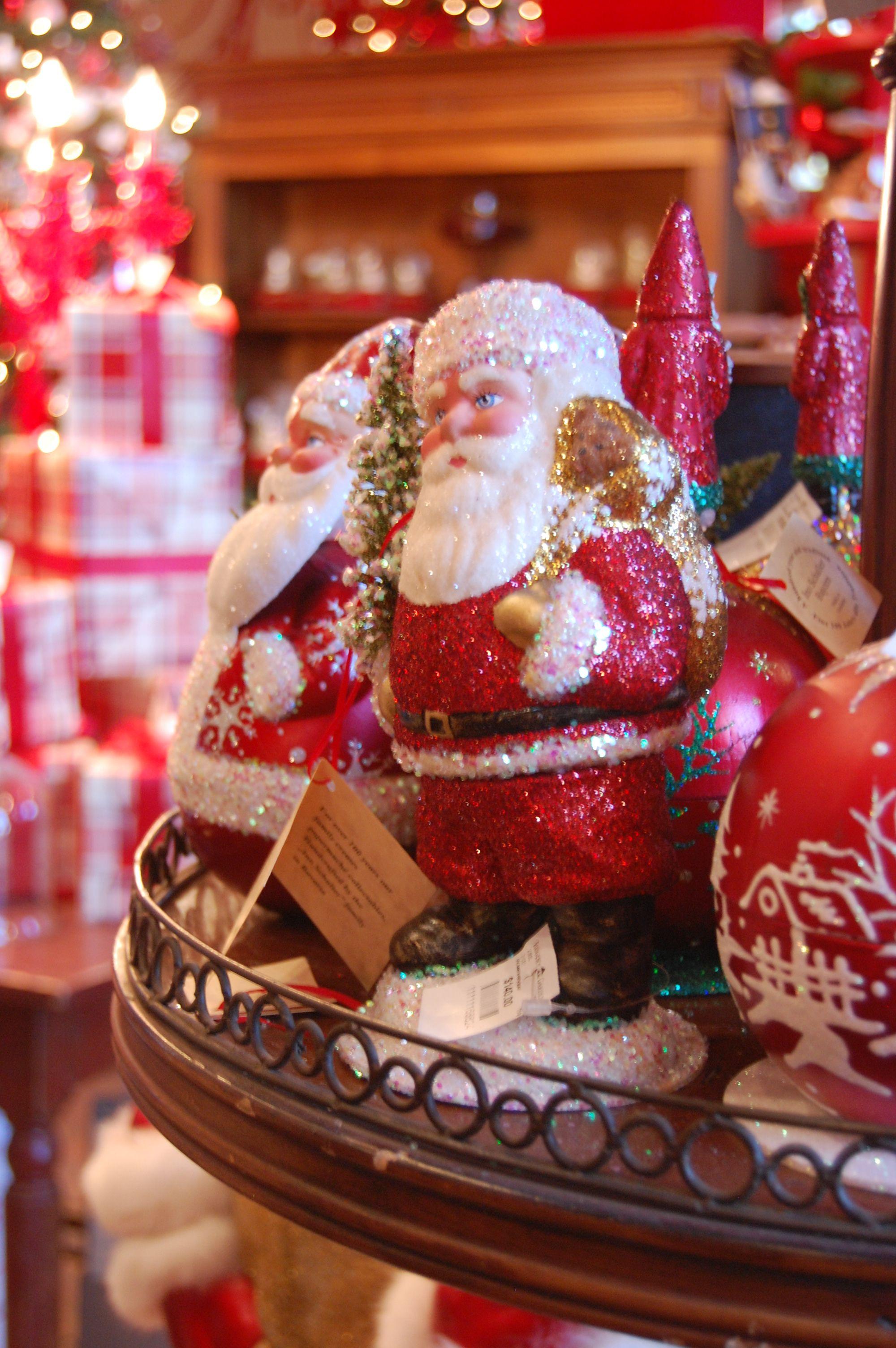 10c12d2059b0bf73f0ad13f6b58753ac - When Does Rogers Gardens Decorated For Christmas