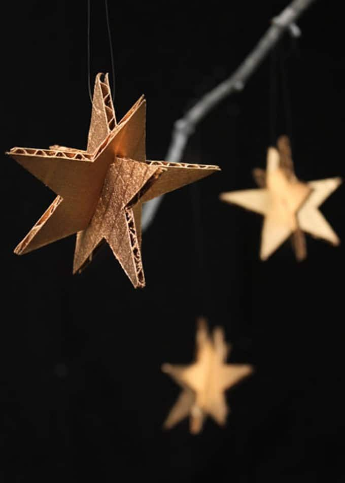 Weihnachtsdekorationen aus Pappe #activitenoelenfant