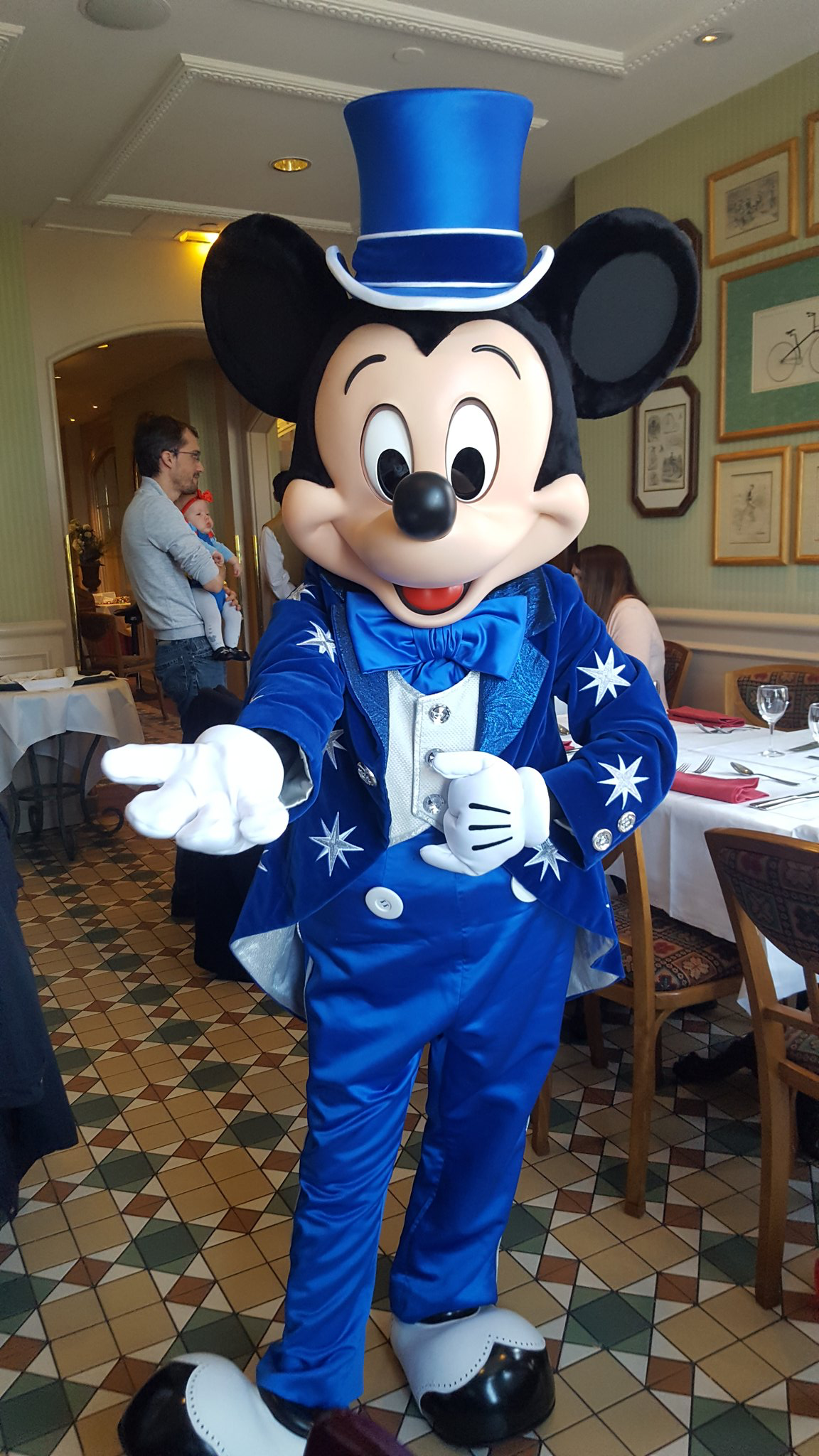 25th Anniversary Mickey Mouse at Disneyland Paris | My Pal ...