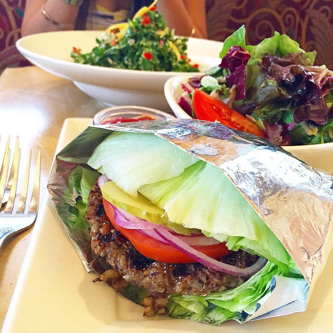 The Cheesecake Factory Has A Huge Number Of Delicious Vegan Options On Its Menu Accidentally Vegan Foods Veg Restaurant Vegan Restaurants