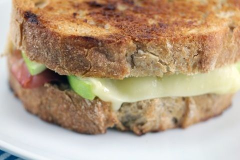Green Apple and Brie Sandwich #cheese #sandwich