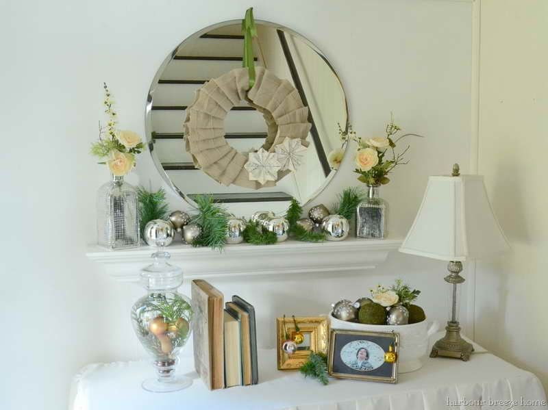 White Entryway Mirror Decoration Design ~ http://lovelybuilding.com ...