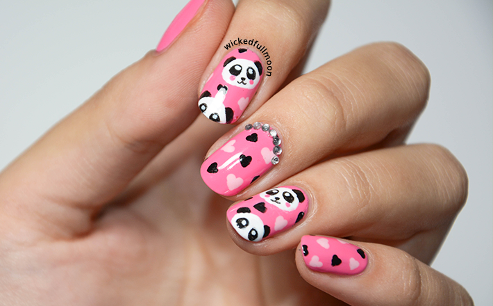 Divalicious Nails: Stamping over Neon nails!