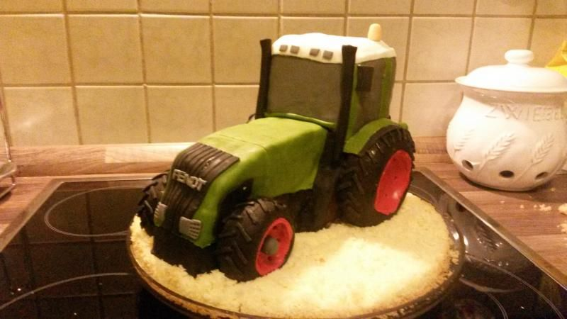 Pin Von Pille Viies Auf Koogid In 2020 Birthday Cakes For Men Traktor Kuchen Fendt Traktor