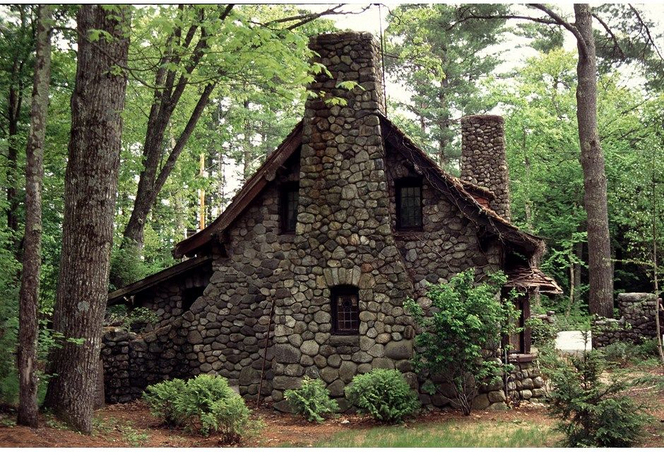 40 spectacular summer homes fairy cabin and house for How to build a stone cottage