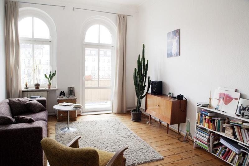 Wohnzimmer / Living Room. Wunderschöne 1-Zimmer