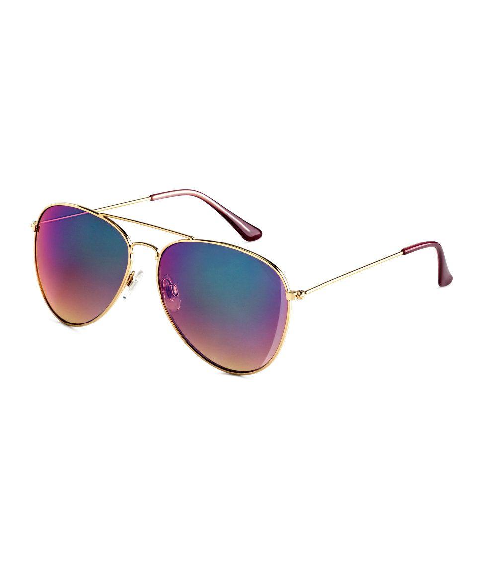 6125c05fd6b8e Aviator sunglasses with metal frames   UV-protective lenses with iridescent  tint.