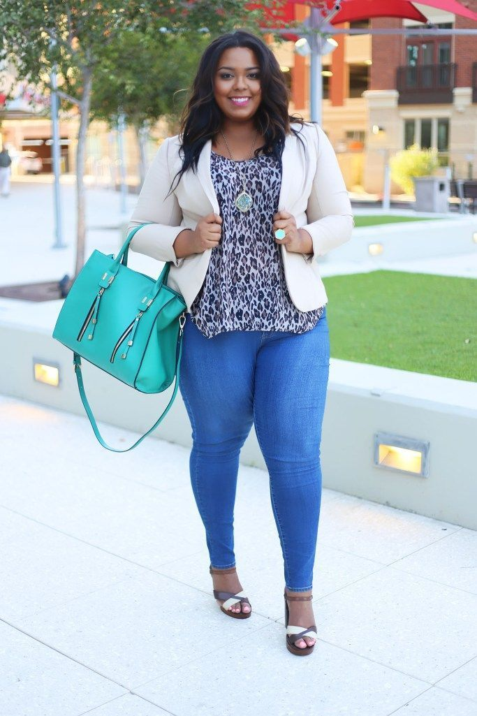 Nicole wearing plus size denim from Fashion To Figure. Click here to shop the new skinny jean for $38.90