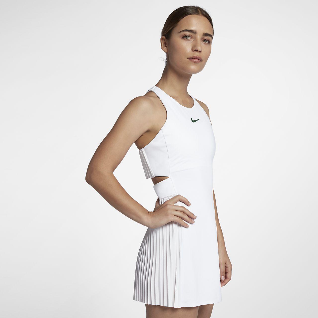 Maria Sharapova - Wimbledon Tournament 2015 - Second Round